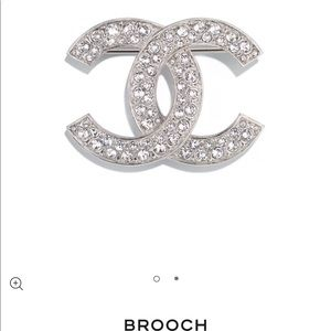 2020 Chanel silver and crystal brooche